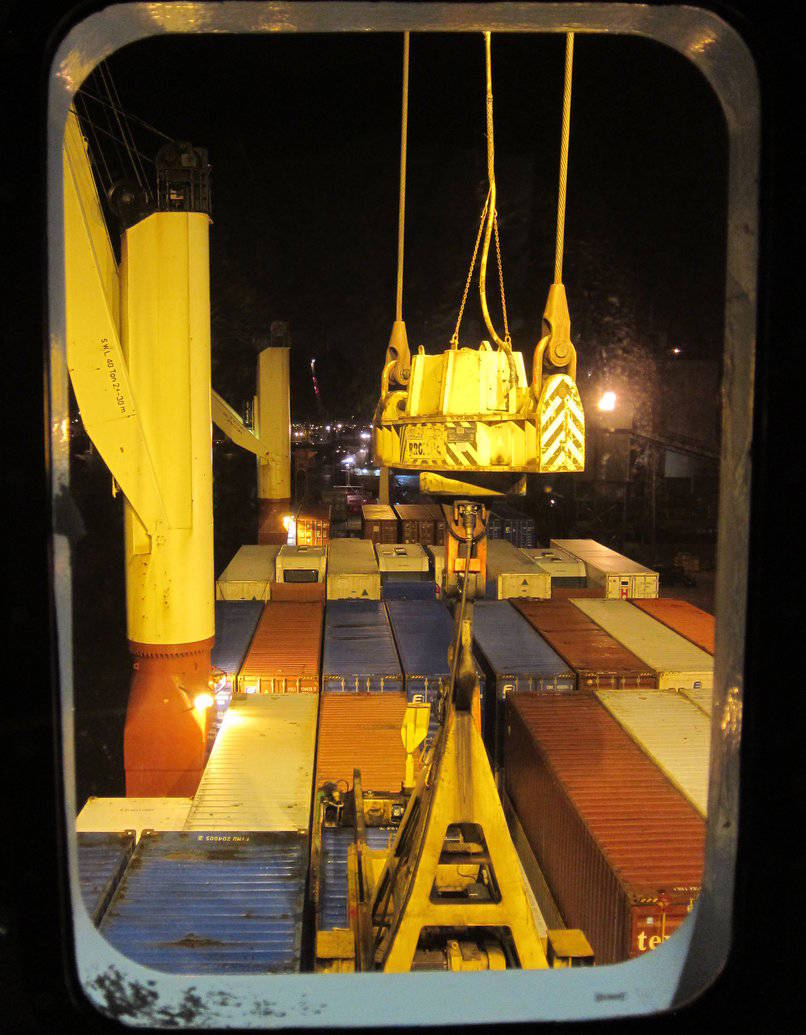 Loading Containers In Immingham Port